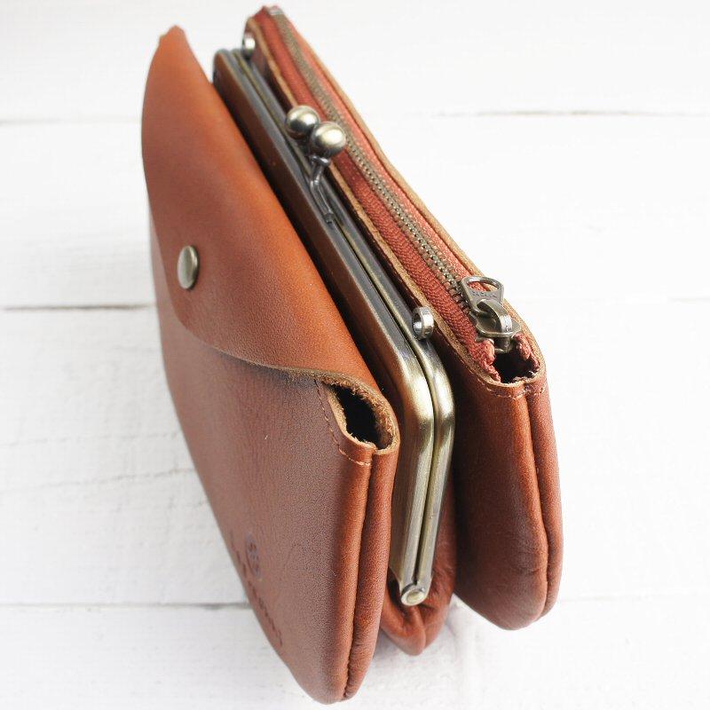 触り心地の良い天然牛革を使用したナチュラルな三つ袋がま口お財布ポーチ【Les.conni】