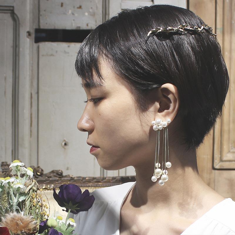 Cloud pearl earring