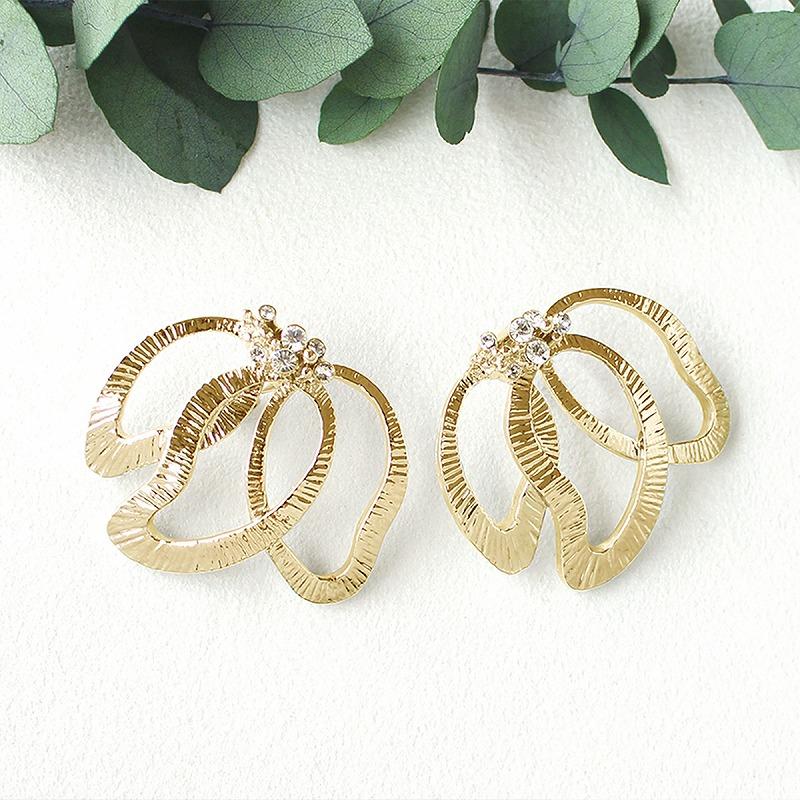 magnolia earring