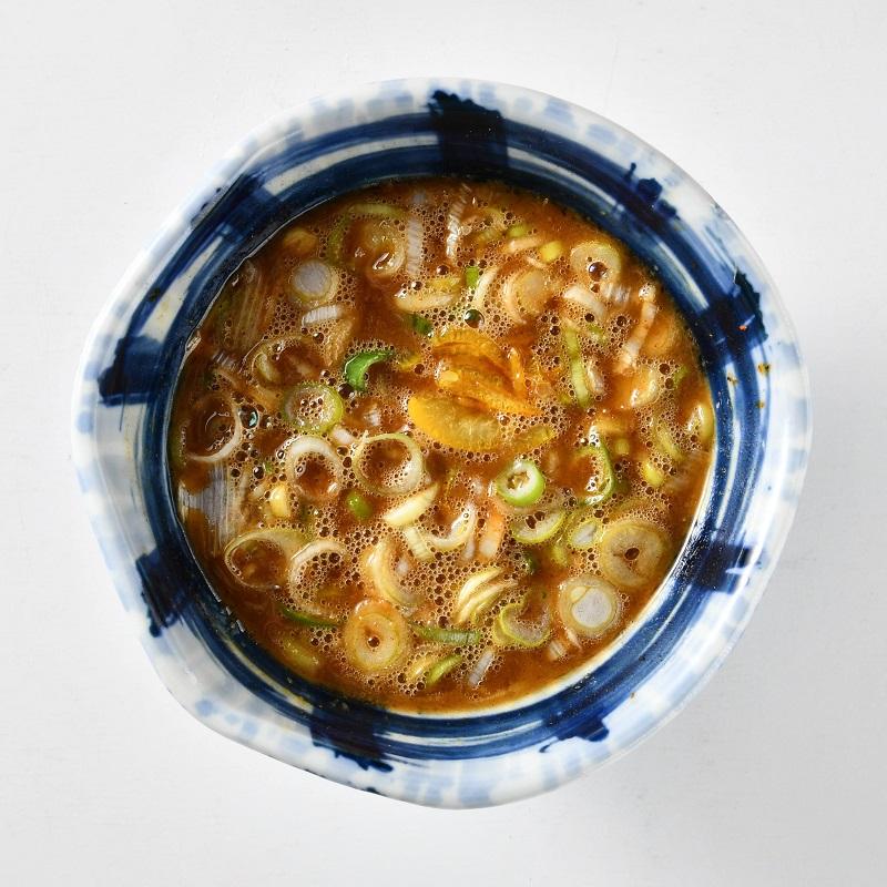 極太魚介濃厚豚骨つけ麺(チャーシュー入り)