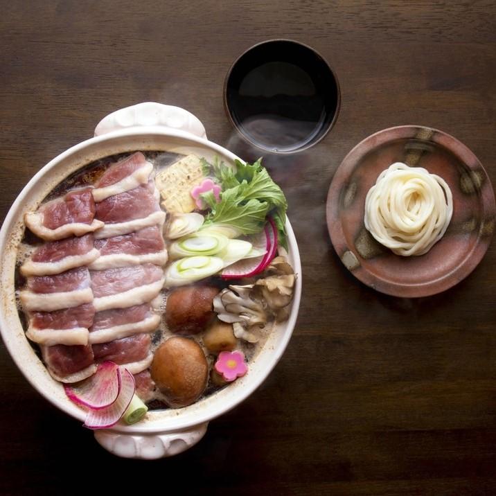 料亭萬谷の「合鴨と越前しいたけの料亭鍋セット」