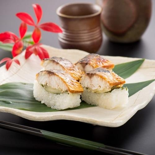 越前三國湊屋の元祖 焼き鯖寿司