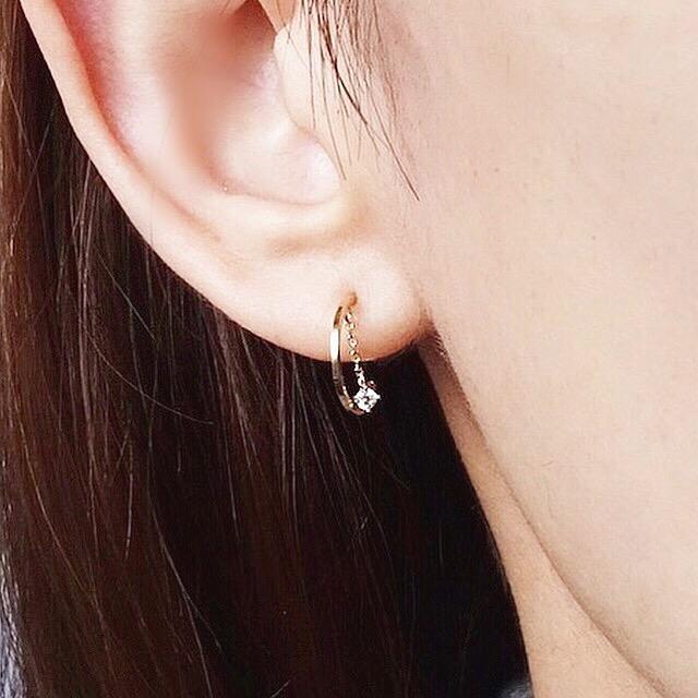 Hoop in stone pierced