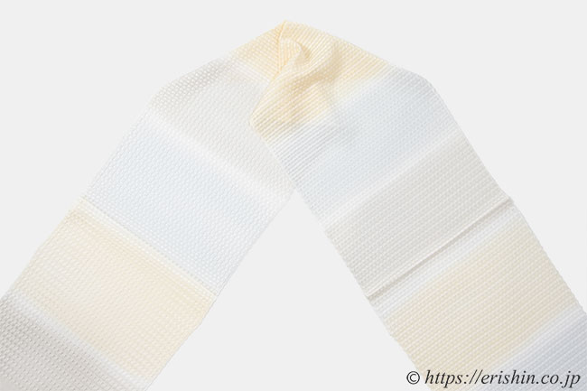 帯揚げ(三色段/砥粉色×雲居鼠×潤色・変わり紗)[夏・単衣向]