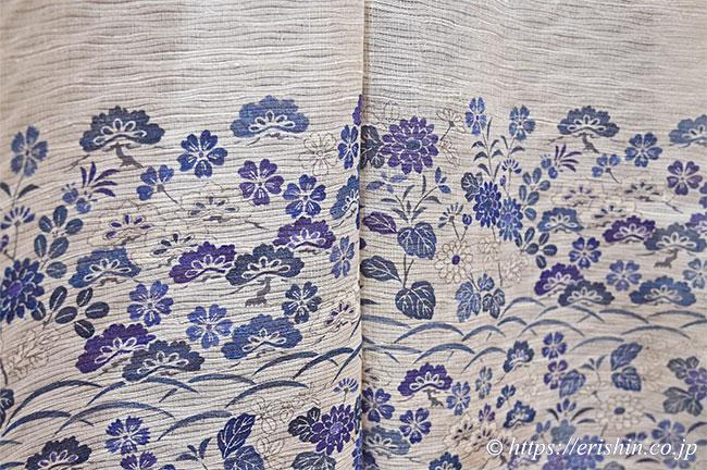 夏付下(松秋草文/鳥の子色地に紫苑色や藍濃淡・波筬絽生紬地)