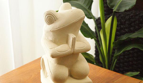 石彫り お祈りカエル L 25cm