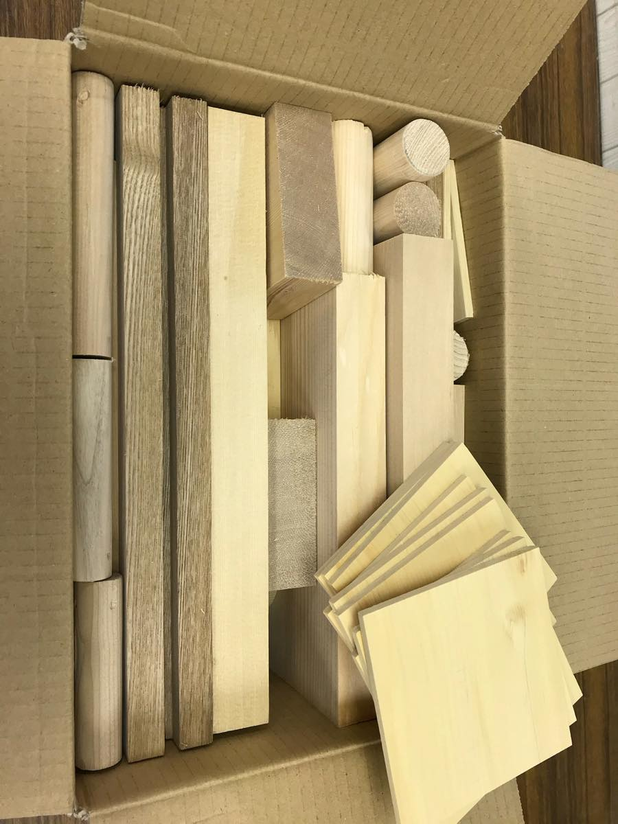 36-004 天然木 端材詰め合わせ(ダンボール80サイズ) クボデラ株式会社