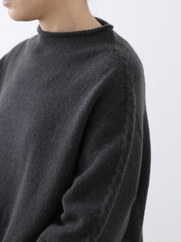 wool camel high necked pullover