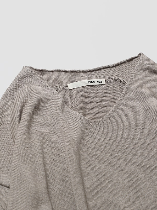 v neck pullover