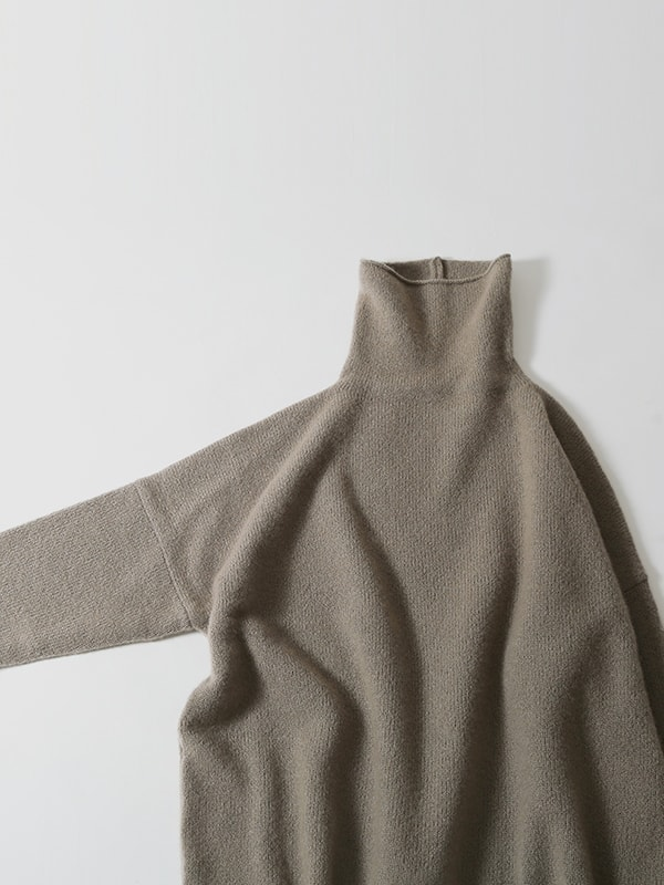 cashmere lily turtleneck