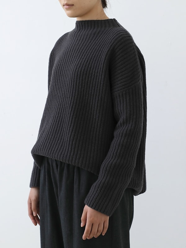 soft wool high necked pullover