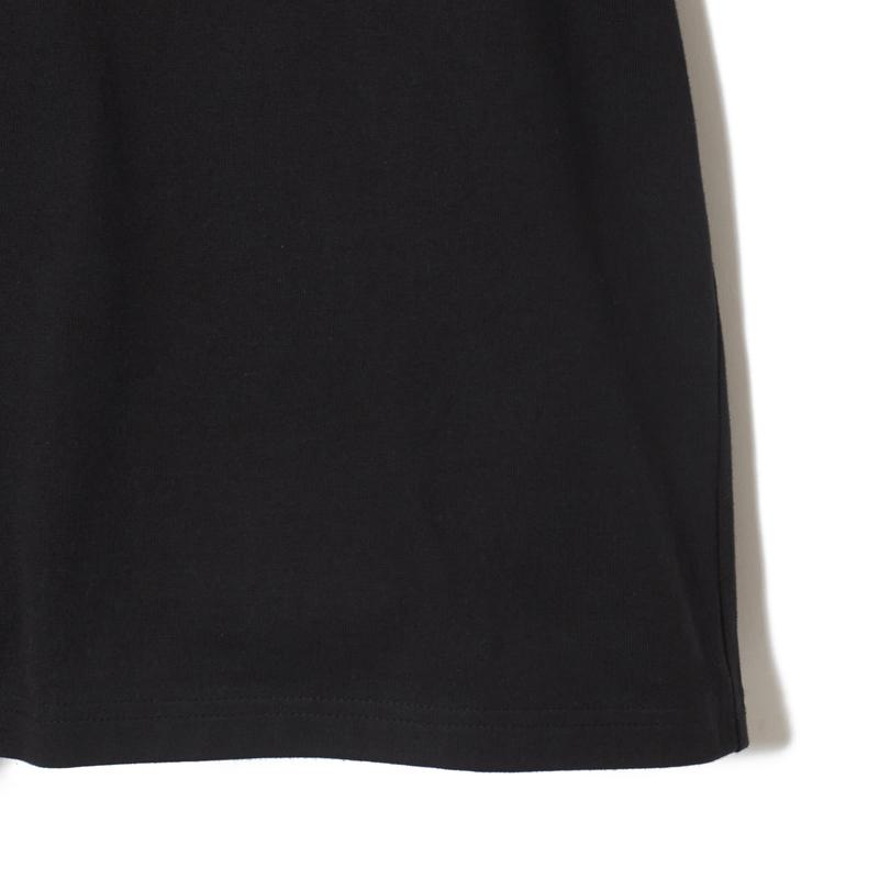 ノーフューチャーTシャツ長袖