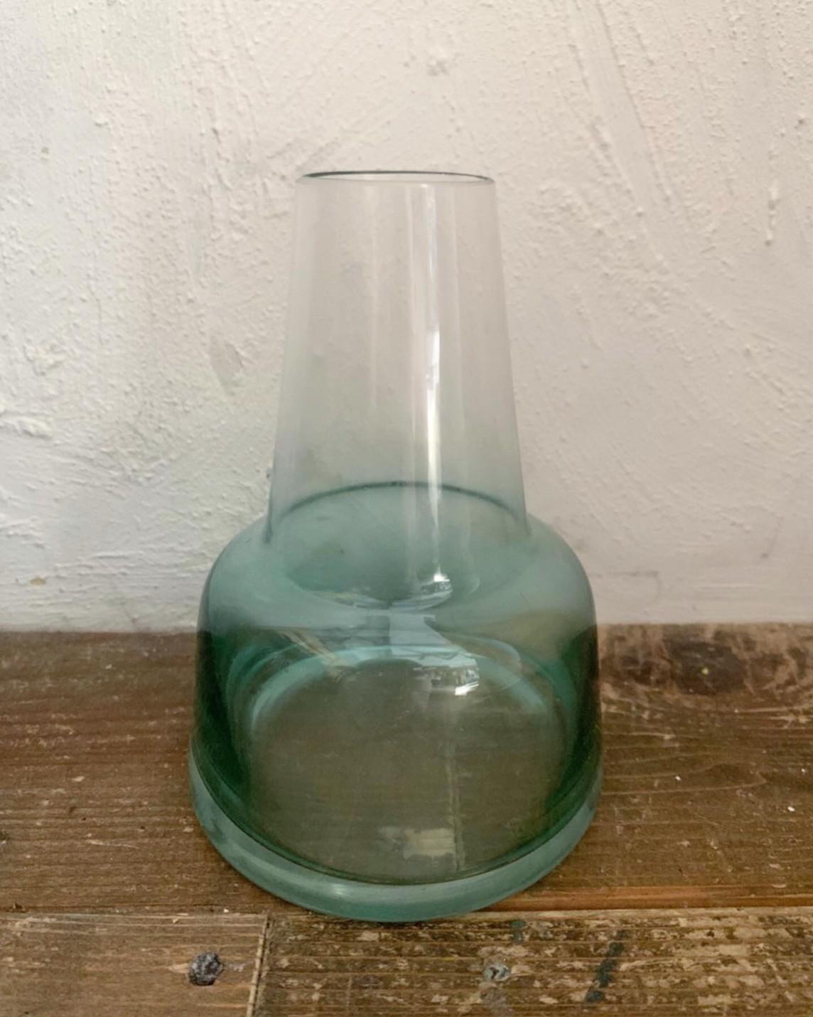 ブルーグラデのガラス瓶(高さ14cm)