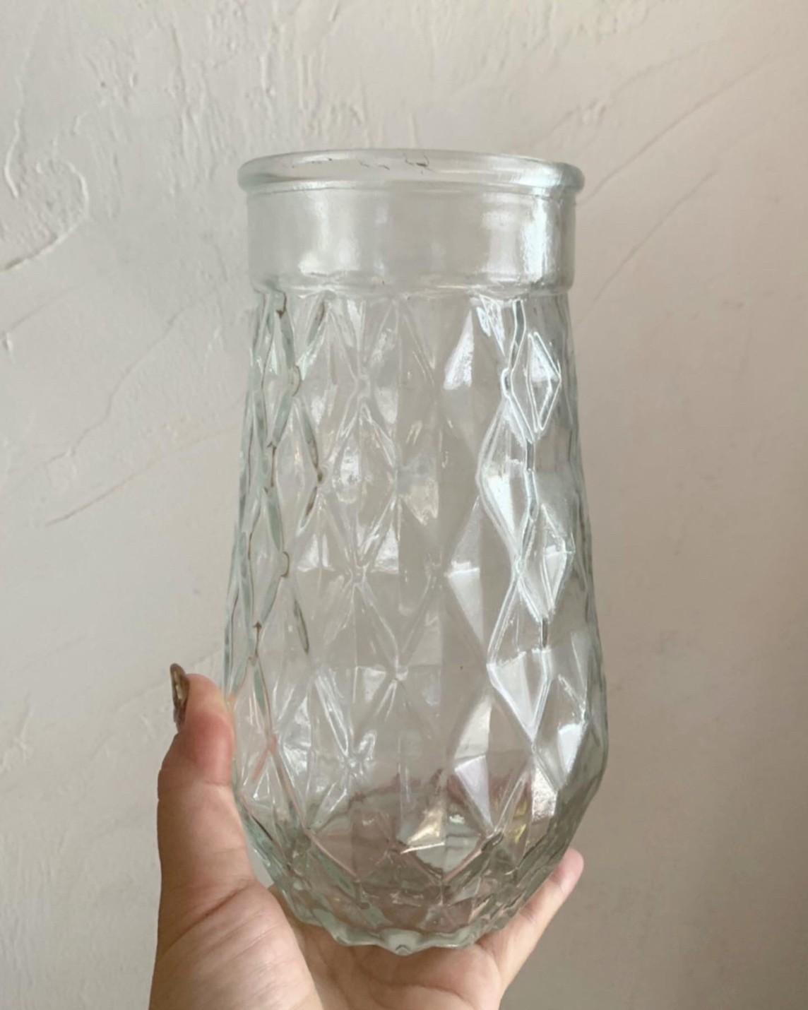ダイヤ柄のガラス瓶(高さ20cm)