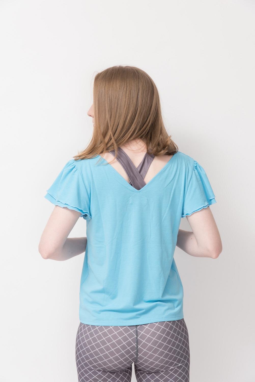 袖フリルVネックTシャツ