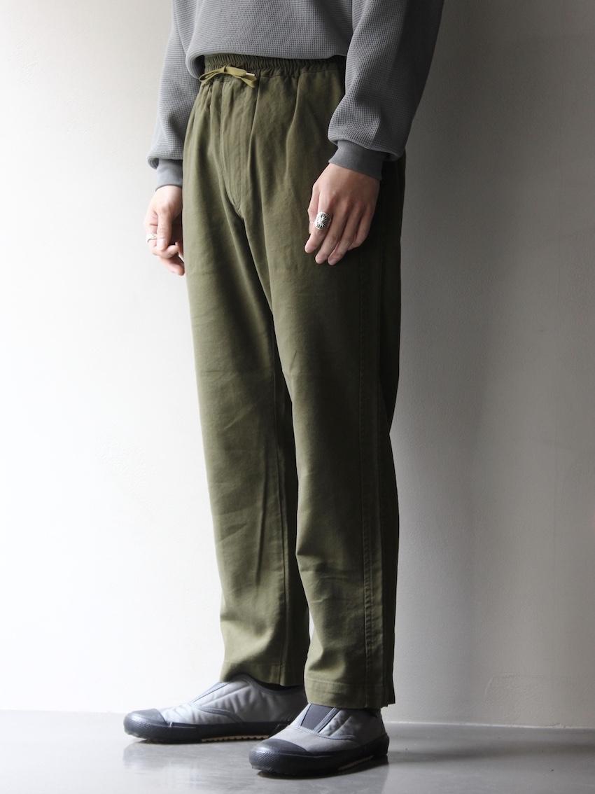 FUJITO / ラインイージーパンツ Olive Green