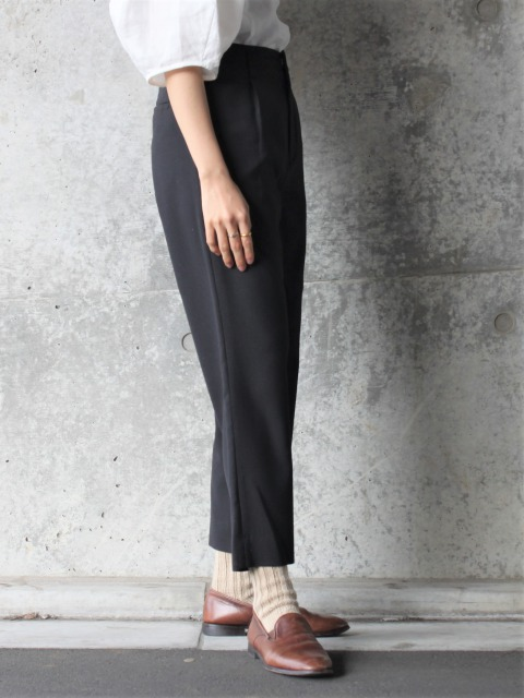 CONICAL / tapered pants