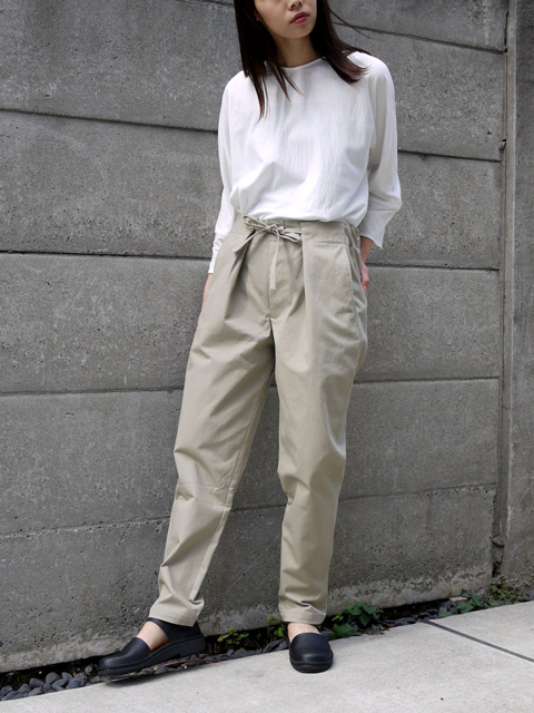"pssst,sir / slip-pants ""gray beige"""