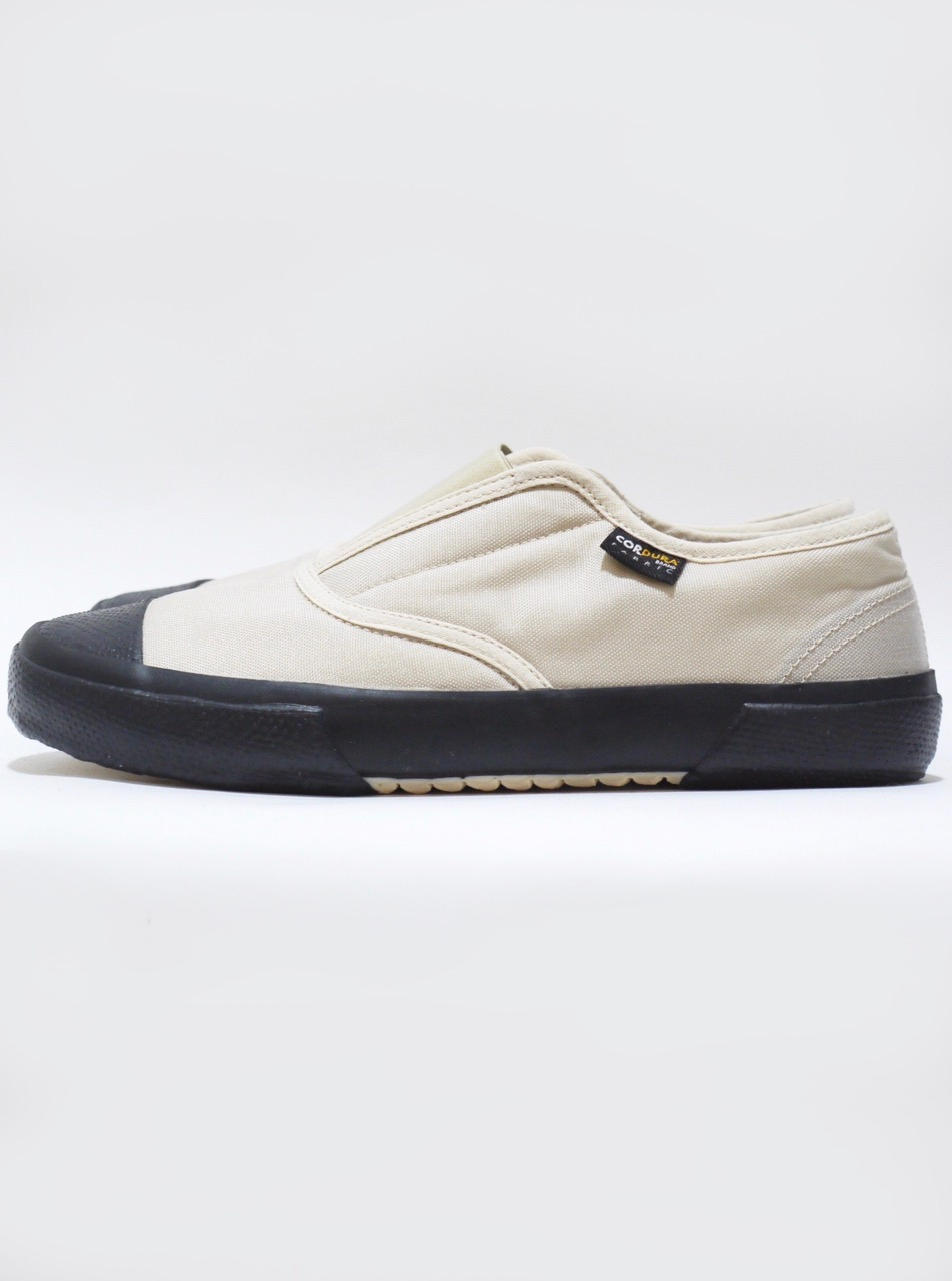 REPRODUCTION OF FOUND / ITALIAN MILITARY TRAINER NATURAL
