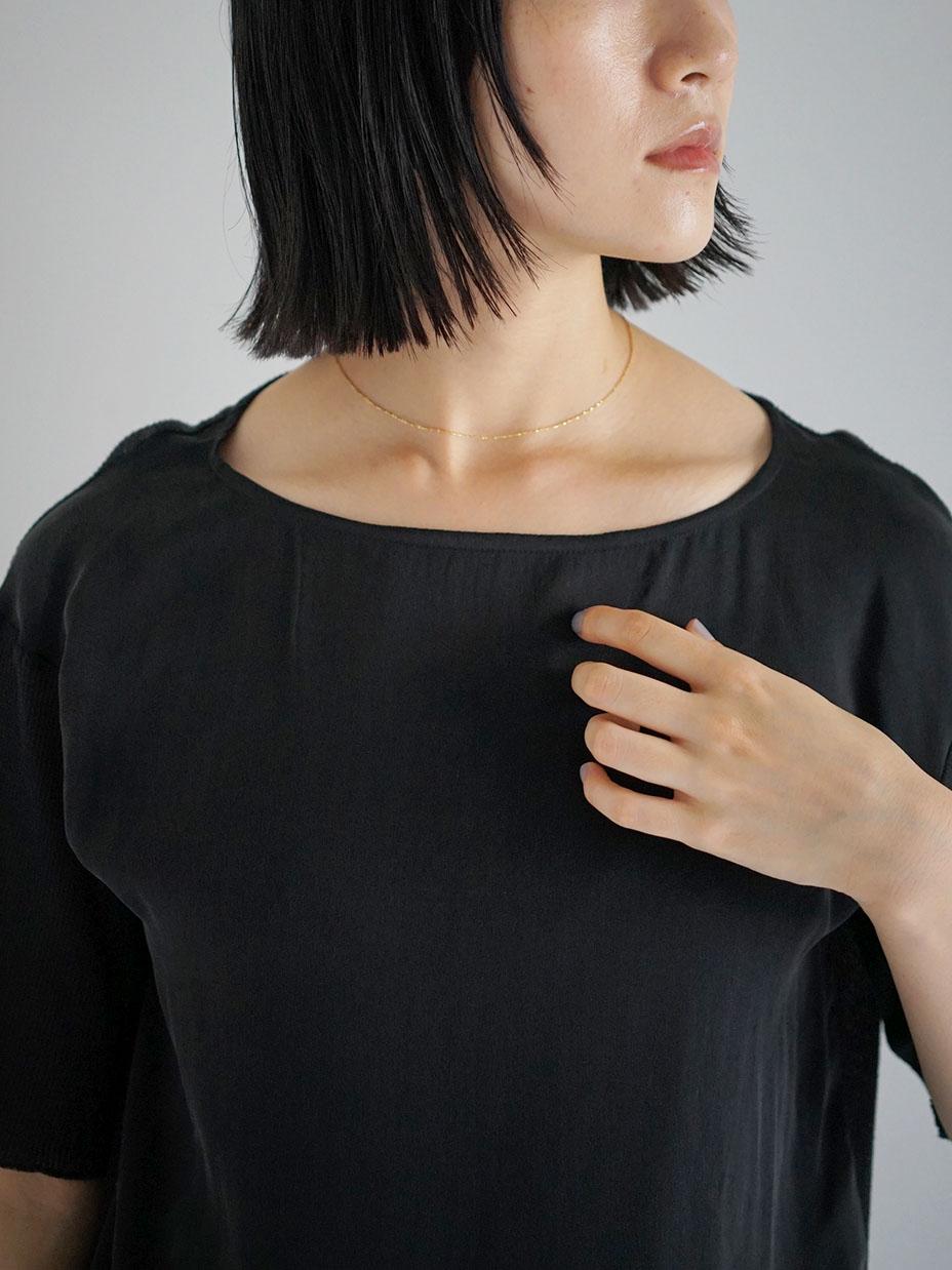 """amiu.c / Gauze waffle×silk half sleeve """"BLACK"""""""