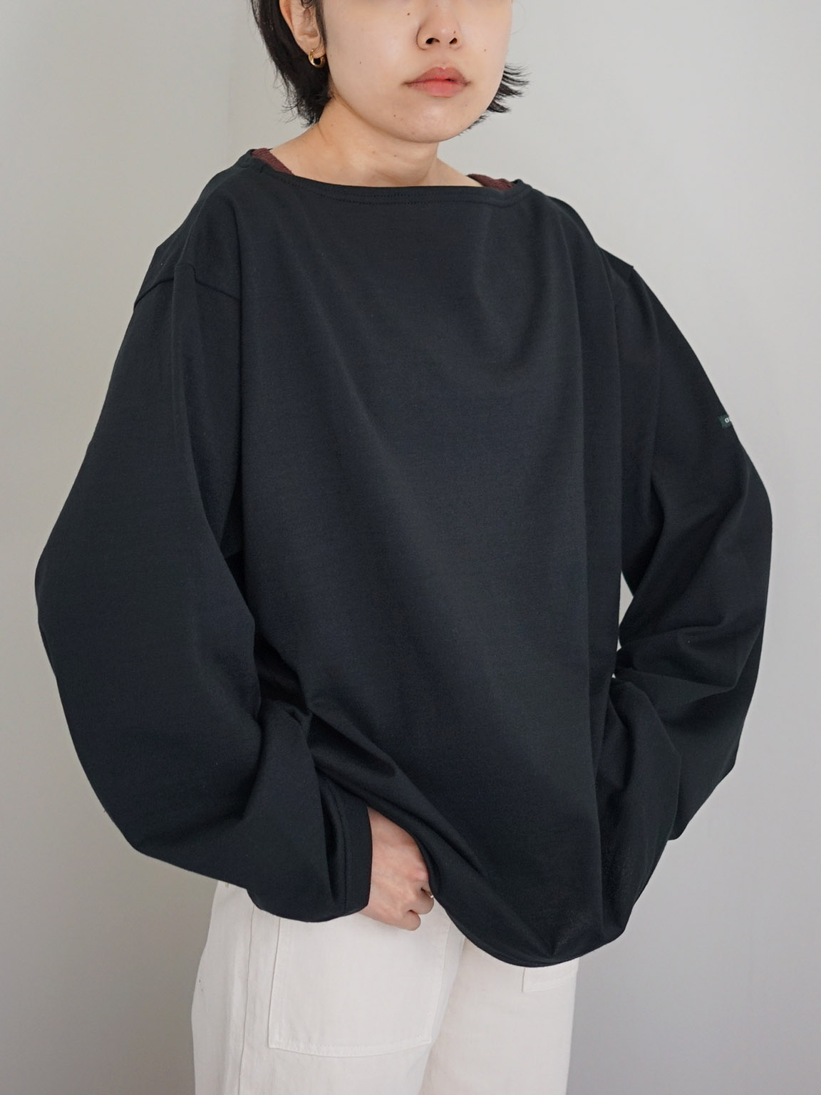 """OUTIL / TRICOT AAST """"BLACK"""""""