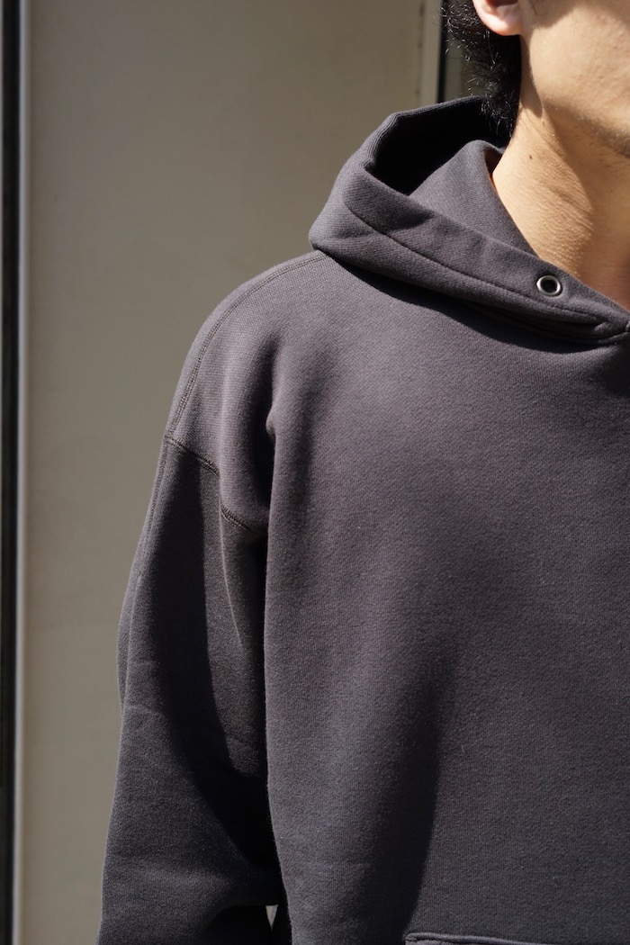 "ULTERIOR / SUVIN COTTON BULKY TERRY HOODIE ""FOGGY BLACK"""