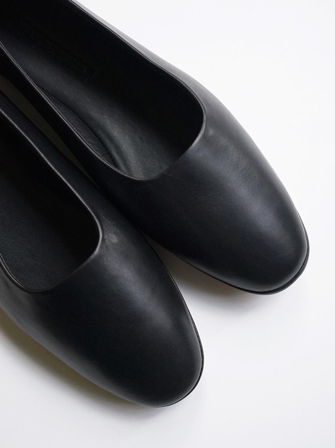 "WANDERUNG / flat shoes ""black"""
