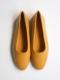 "WANDERUNG / flat shoes ""mustard"""