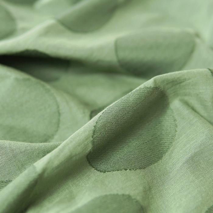 「まる」が可愛い、ジャカード織りのドット柄ワンピース(グリーン)