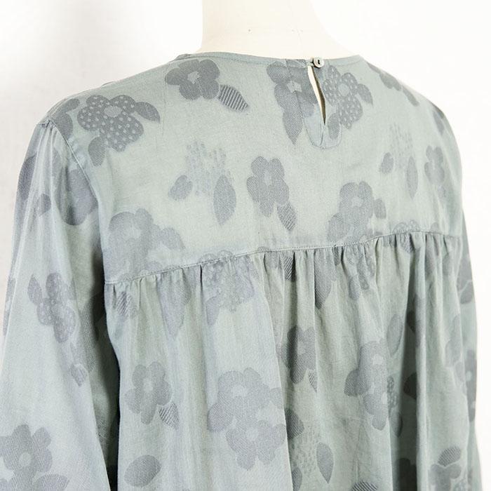 ふわり、ジャカード織りの花柄プルオーバー(グレー)