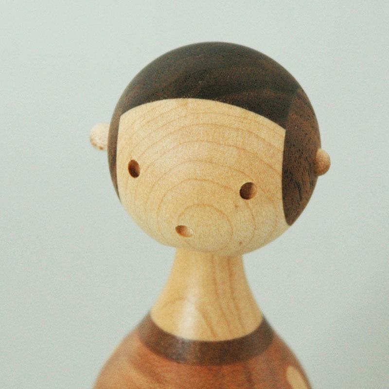 KIN GIRL(女の子) H11.2cm ARCHITECTMADE(アーキテクメイド)デンマーク 北欧木製オブジェ・置物