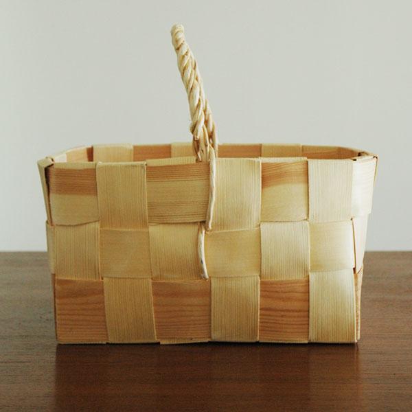Basket(バスケット)かご・持ち手付き/パイン・松/北欧エストニア製/ハンドメイド