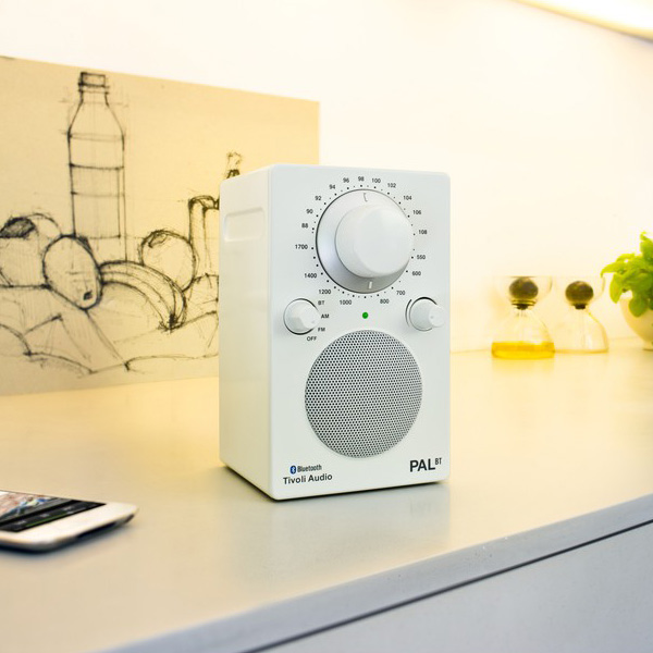 PAL BT(パル・ビーティー)Bluetooth対応モデル/ホワイト/ポータブルラジオ/Tivoli Audio(チボリオーディオ)