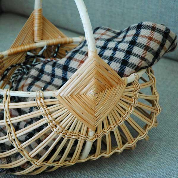 RIGA BASKET(リガバスケット)マロン スモールサイズ カゴ・持ち手付 柳(ヤナギ) ラトビア製 ハンドメイド