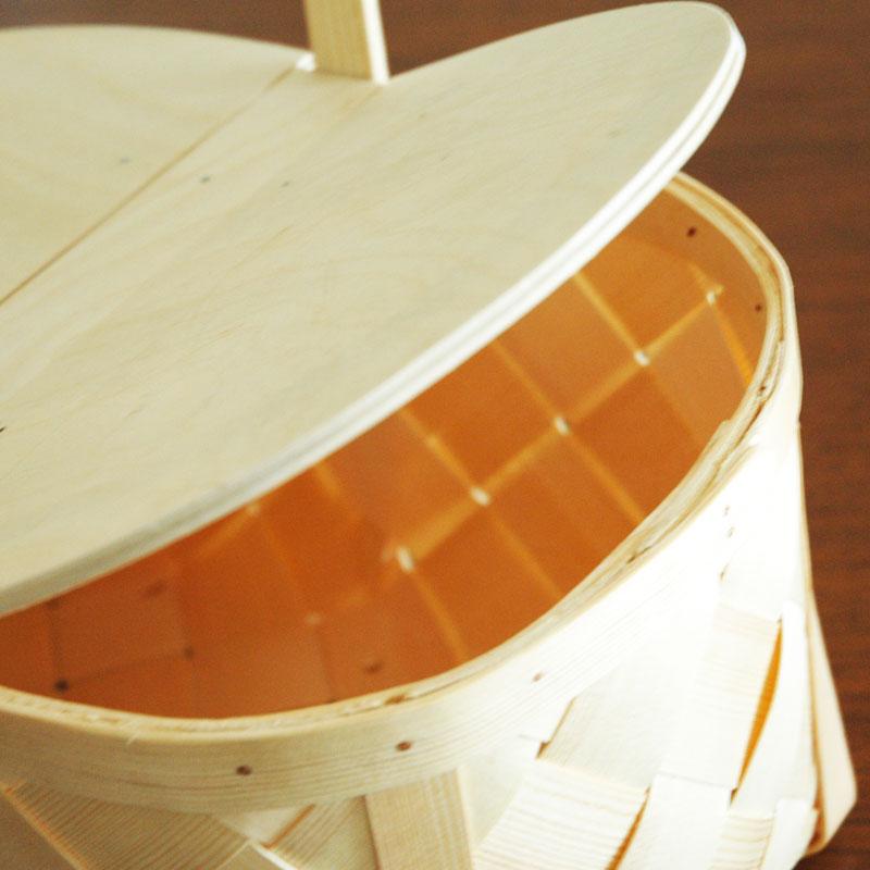 Picnic Basket(ピクニック・バスケット)カゴ・フタ付・持ち手付/松(パイン)/エストニア製/ハンドメイド