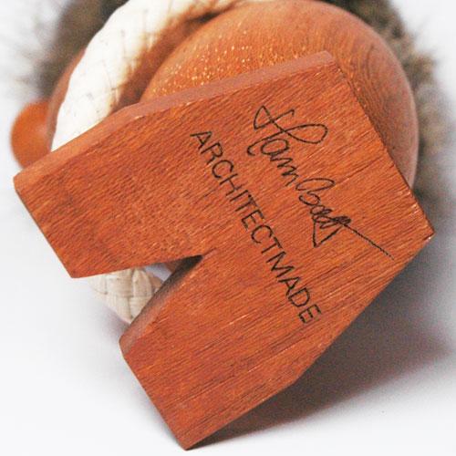 Optimist(オプティミスト)・楽観主義 ARCHITECT MADE(アーキテクメイド)デンマーク 木製オブジェ・置物 330