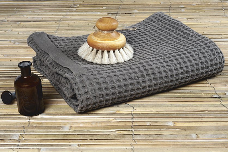 BIG WAFFLE TOWEL AND BLANKET