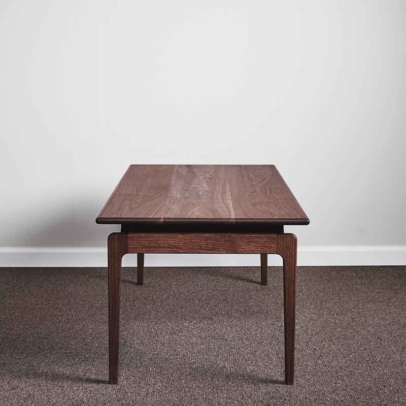 VAN COFFEE TABLE