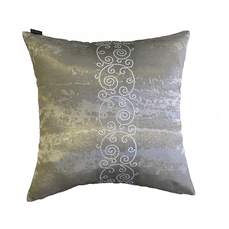 OUTLET CUSHION  OUTLOOK silver (CU 2020AW-03)