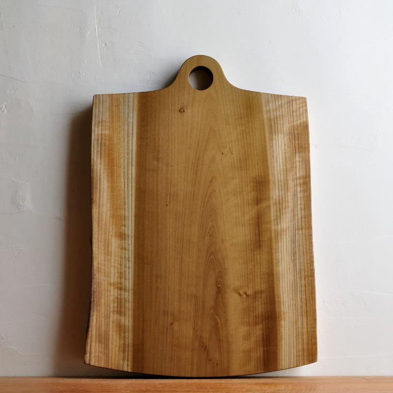 木のカッティングボード 北欧風