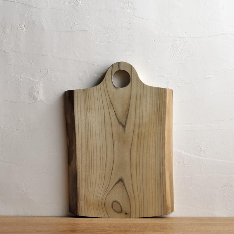 木のカッティングボード