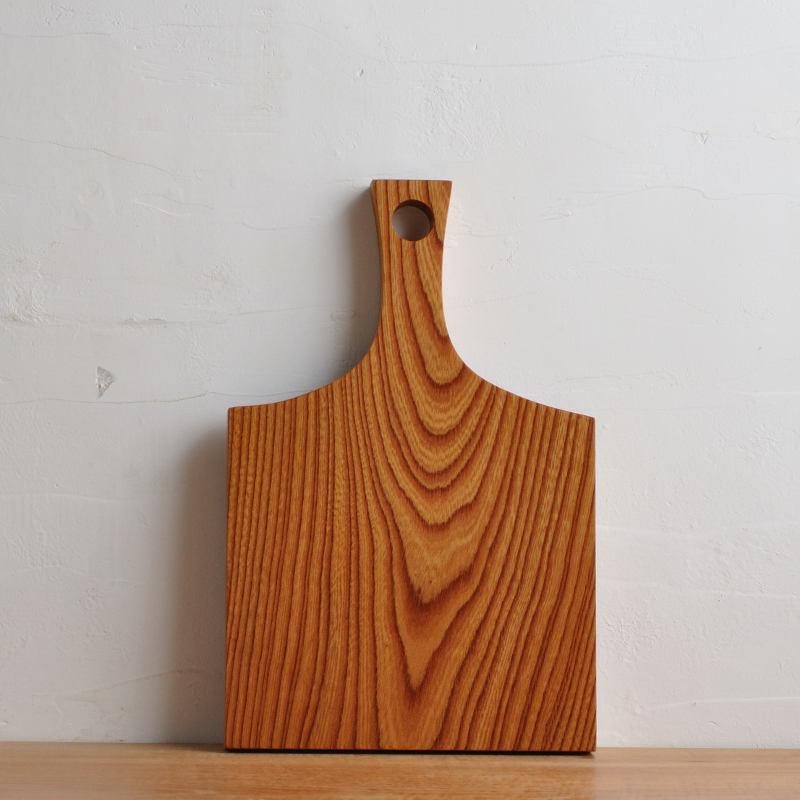 欅(ケヤキ)のカッティングボード