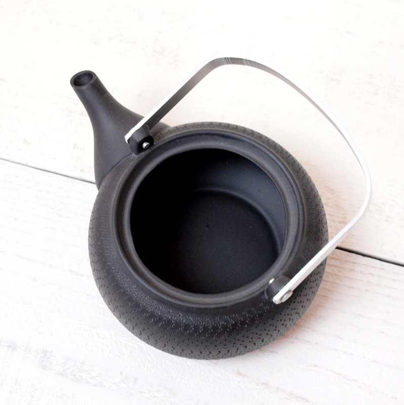 常滑焼 tea pleats 丸形土瓶 / ブラック