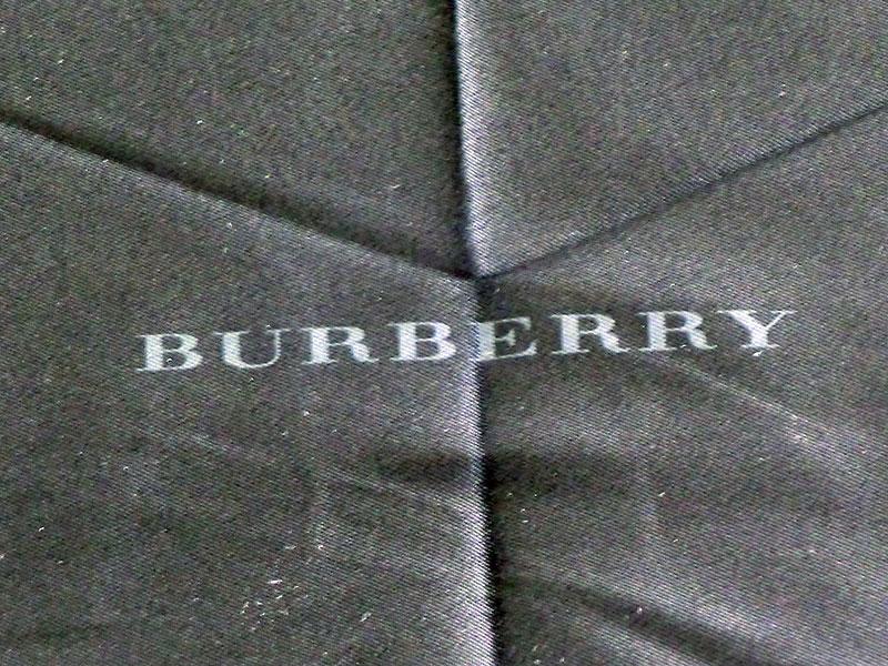 ◇◆◇ BURBERRY ★ バーバリー ◇◆◇ 折りたたみ傘 裏ボーダー/ブラック/グレイ レディース