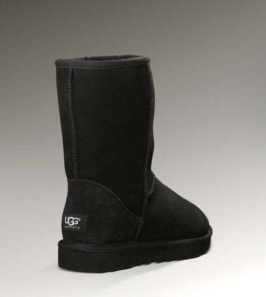 ◇◆◇ UGG ★ アグ ◇◆◇ クラシックショートブーツ CLASSIC SHORT 5825 ブラック