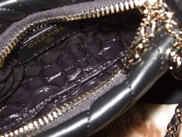 CHANEL シャネル カメリア柄 チェーン付きコスメポーチ ブラック