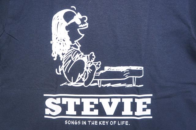 【HOMMAGE TEE】STEVIE -BLACK-