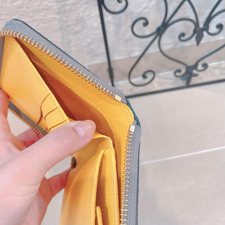【VIOLAd'ORO】2つ折りラウンド財布