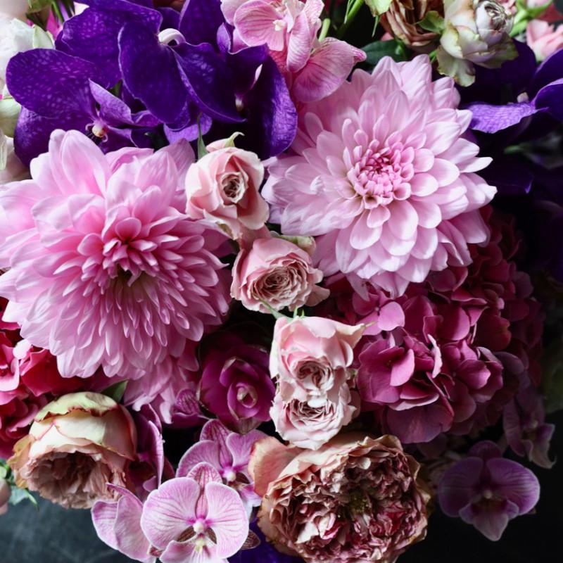 アレンジメント 6L 本牧 honmoku 定番人気の「極彩美」花器付きローズギフト ★都心エリア限定配送