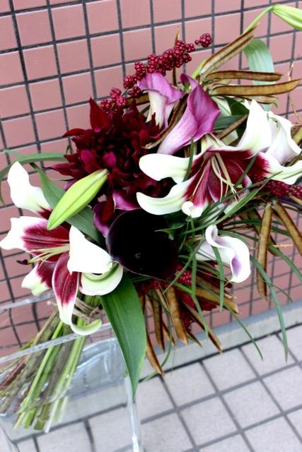 特選花束 L 紫紺 shikon【12月の花】カラー、ユリなどを丈長に束ねた花束です ★季節限定11/15-1/15